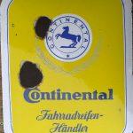 """Continental Emailleschild """"Fahrradreifen"""", alters-und einsatzbedingt hier und da patiniert aber noch sehr dekorativ"""