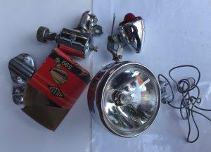 """Lichtanlage """"Miller"""" aus Birmingham, Vorderlampe, Dynamo und Rücklicht, Rücklicht mit Verpackung, alles in gutem Zustand noch nicht verbaut gewesen"""