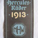 Hercules Prospekt/Katalog 1913. 32 Seiten mit tollen Abbildungen (bspw. Transport-(3-)Räder, Ambulanzwagen etc.). Komplett mit Preisen sowie Zubehörpreisliste, Rückseitig mit Werksansicht. Sehr schöne Erhaltung.