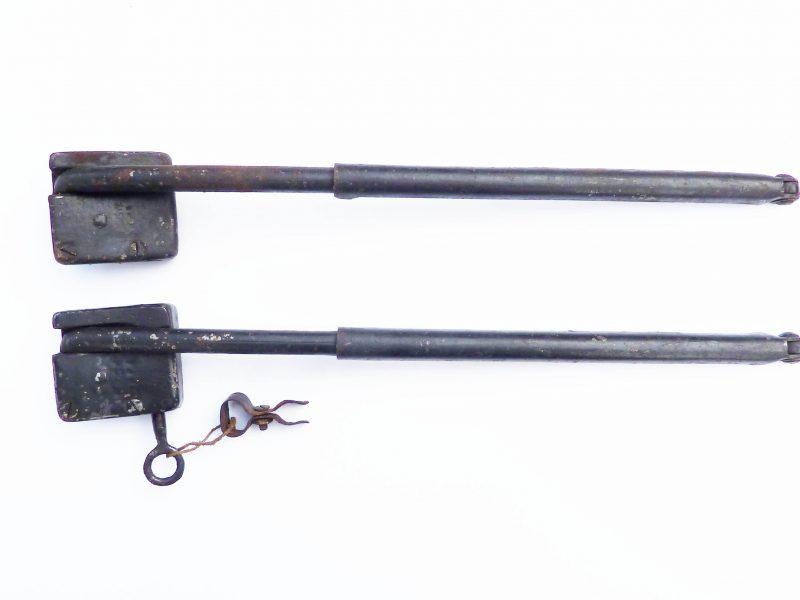 Klappständer, abschließbar, um 1940, 2 St., 1 Schlüssel